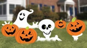 Cute Halloween decorations, cute yard decor, Halloween Decor, outdoor halloween decor, outdoor halloween decorations, halloween decorations, spider decorations, halloween lawn signs