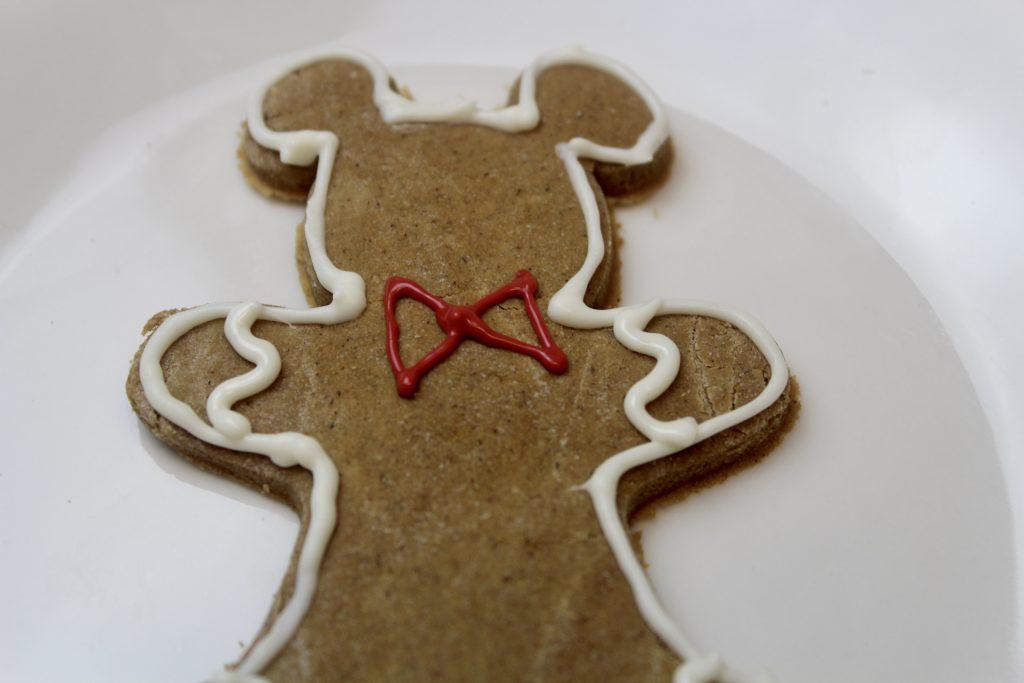 add bowtie on cookie