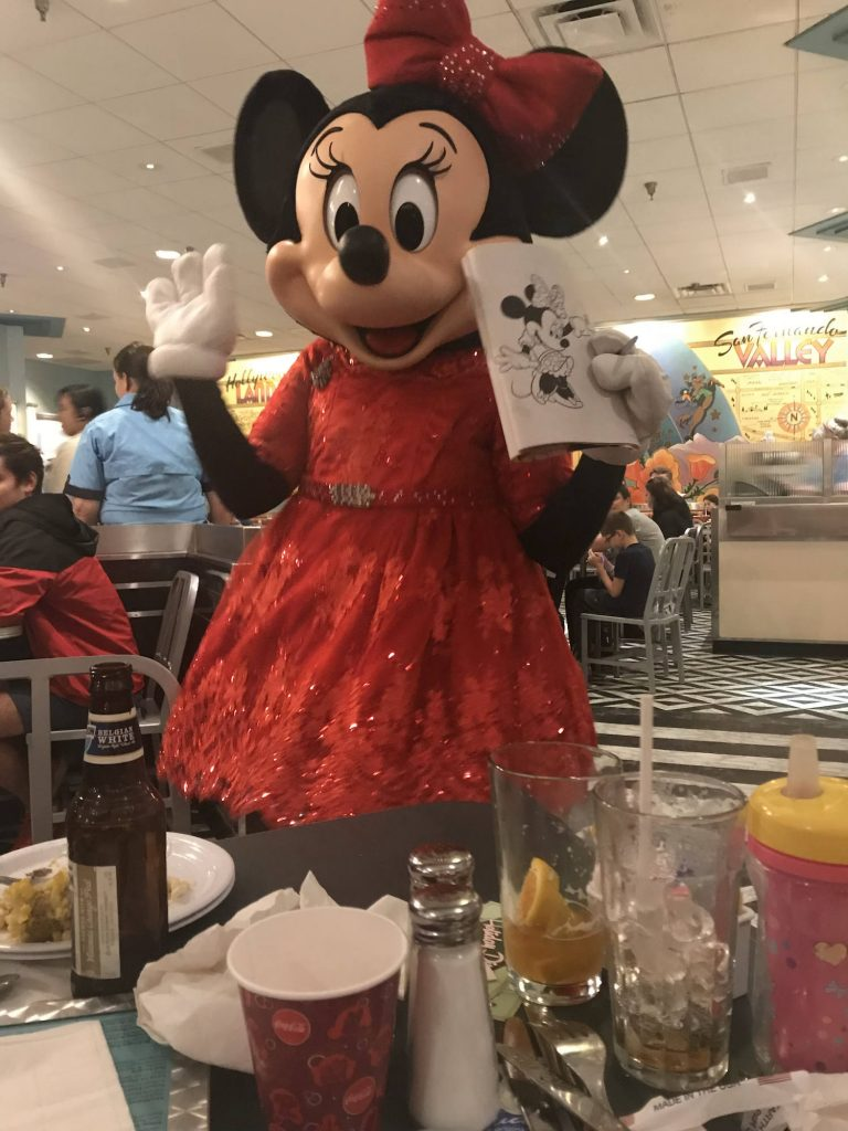 minnie mouse at character breakfast