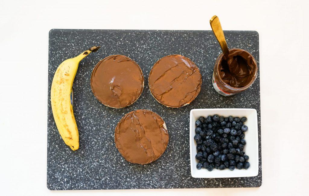 Monkey Nutella Rice Cakes Step1