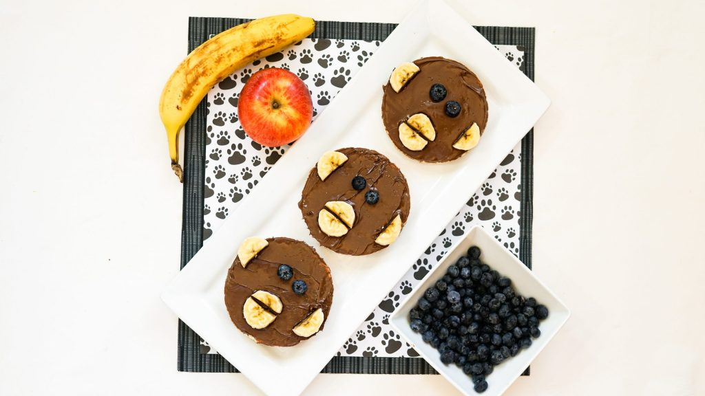Final Nutella Rice Cakes with Blueberries and Bananas