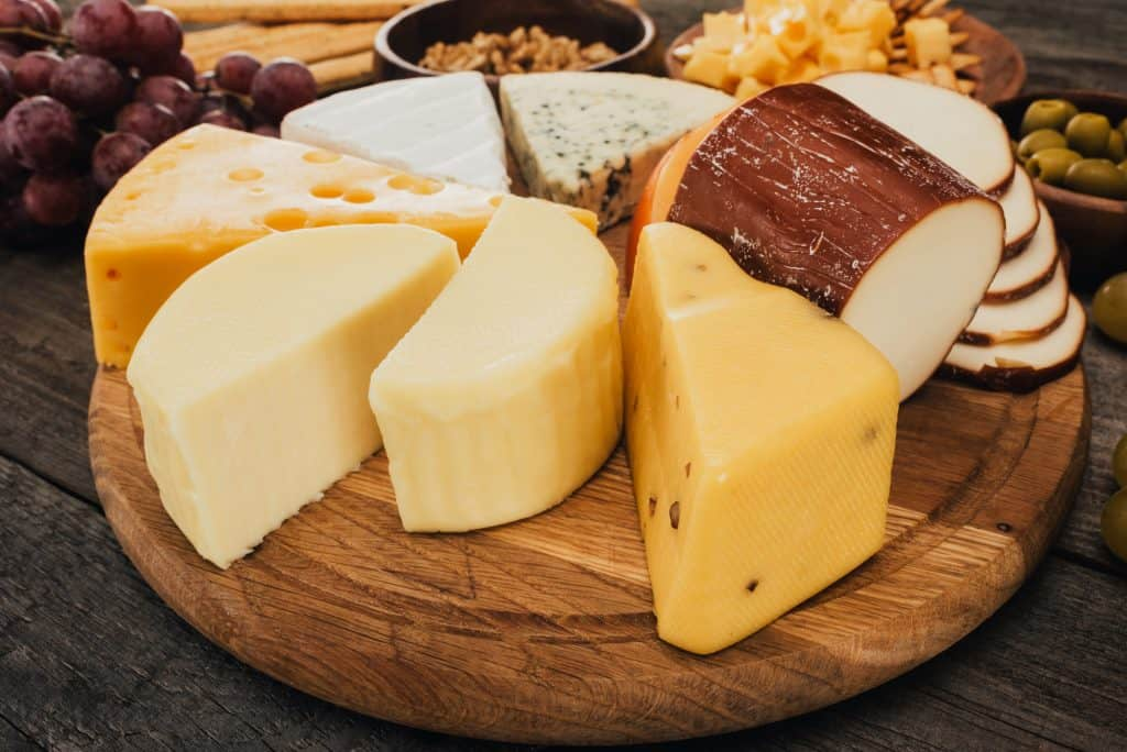 Safe cheeses to eat while pregnant.